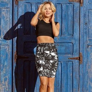 Fabletics Crop And Skirt